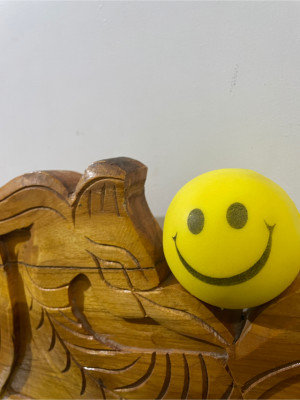 even smiley want to stay stable
